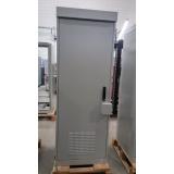 gabinete outdoor com blindagem eletromagnetica