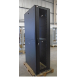 rack metálico para data center